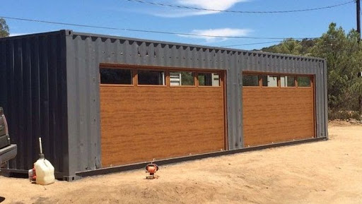 Garage made out of two 40-foot containers; truck and container loading software