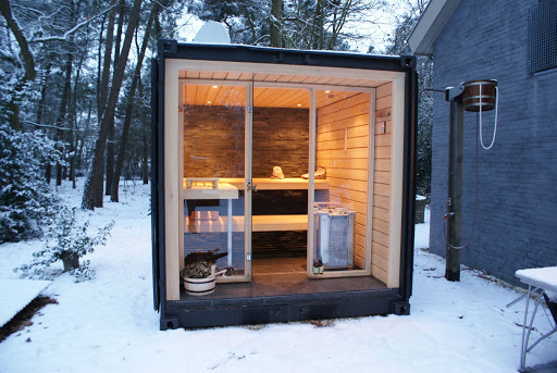 Sauna made from a container; truck and container loading software