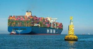 Die HMM Algeciras - das neuerdings größte Containerschiff der Welt